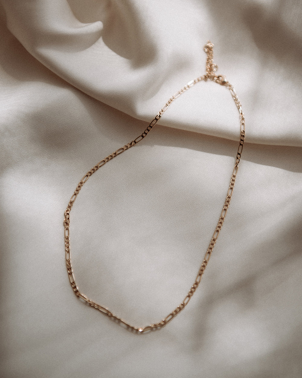 Lois Delicate Figaro Chain Necklace