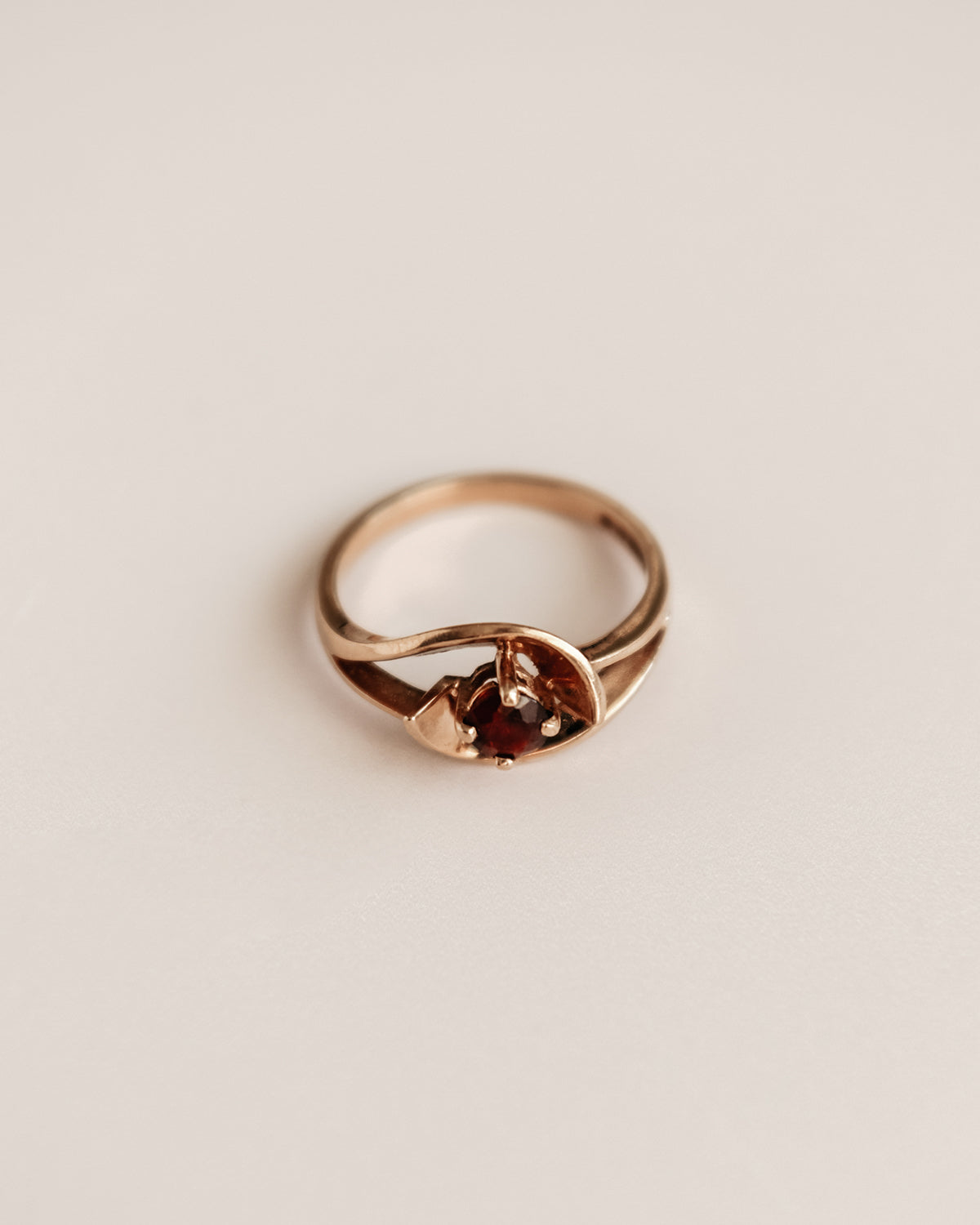 Image of Samantha 9ct Gold Garnet Ring