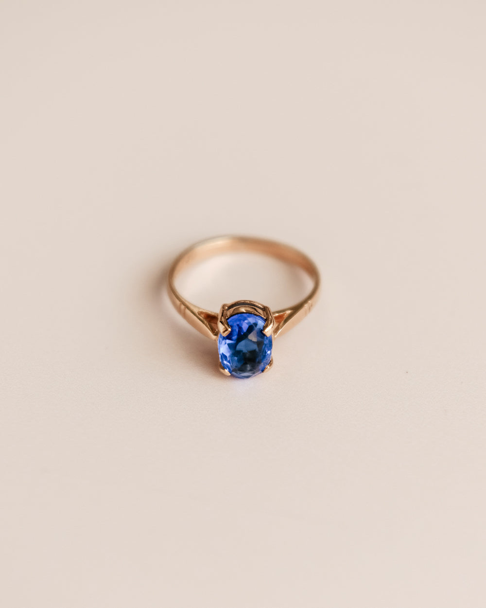 Joan Exclusive Vintage 9ct Gold Cocktail Ring