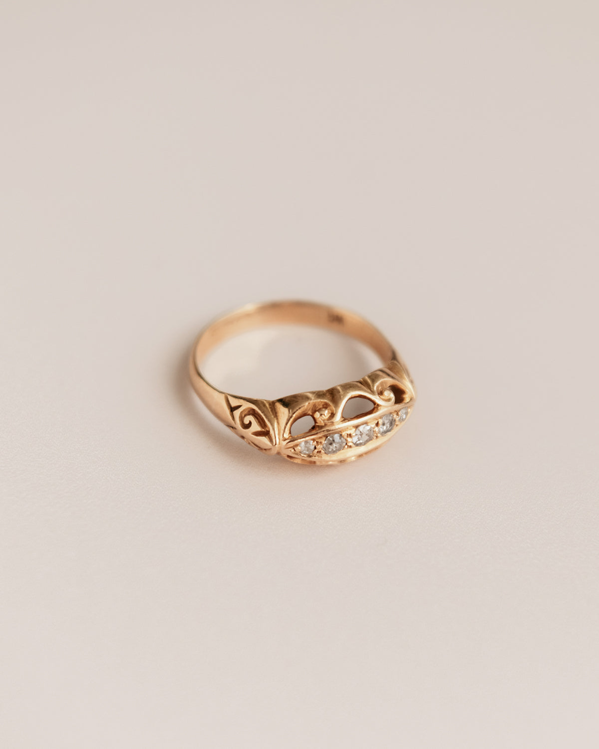 Nellie Exclusive Vintage 9ct Gold Diamond Ring