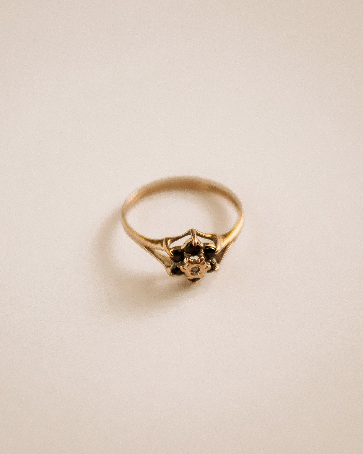 Image of Sybil 9ct Gold Sapphire & Diamond Cluster Ring