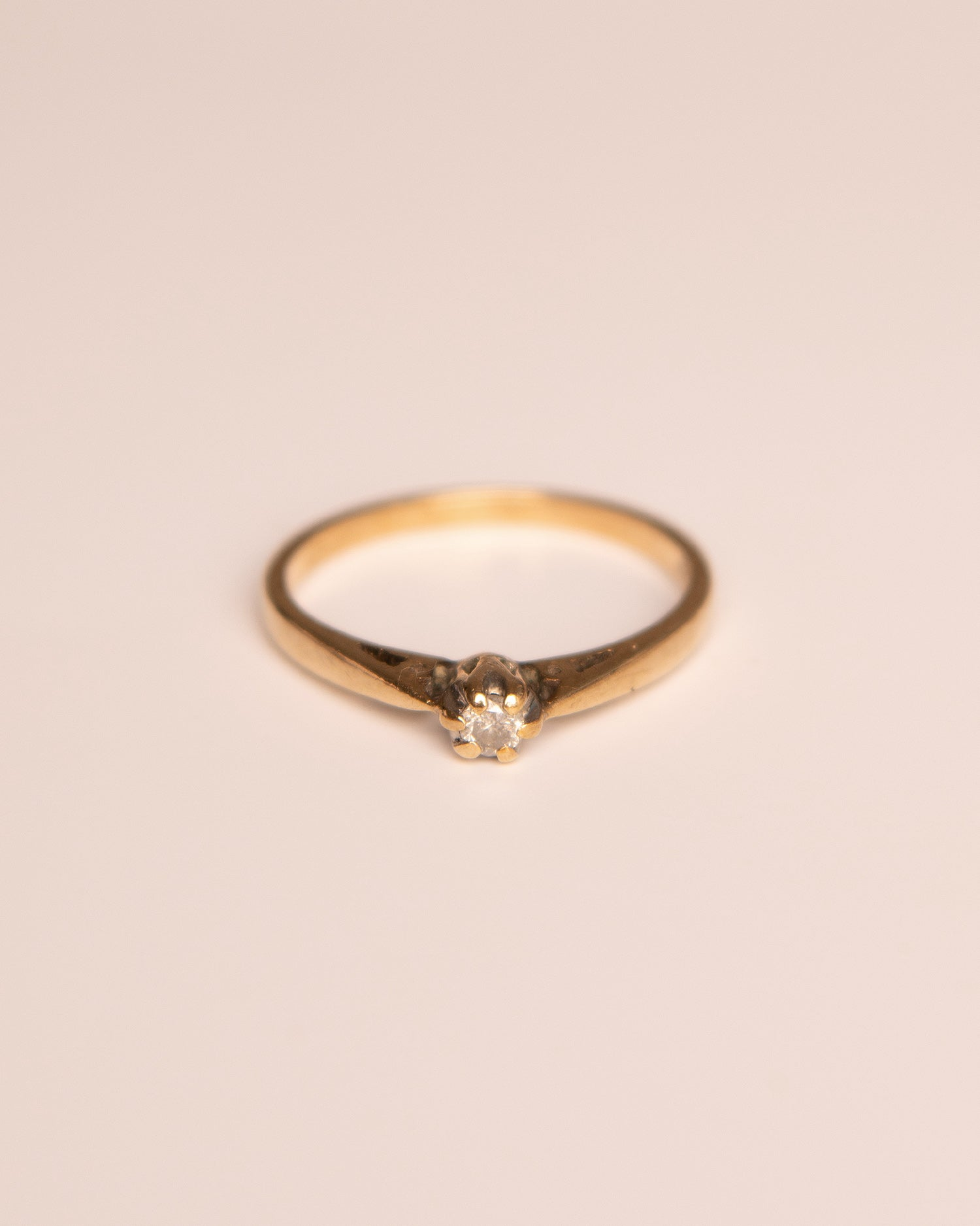 Etty 9ct Gold Solitaire Diamond Ring