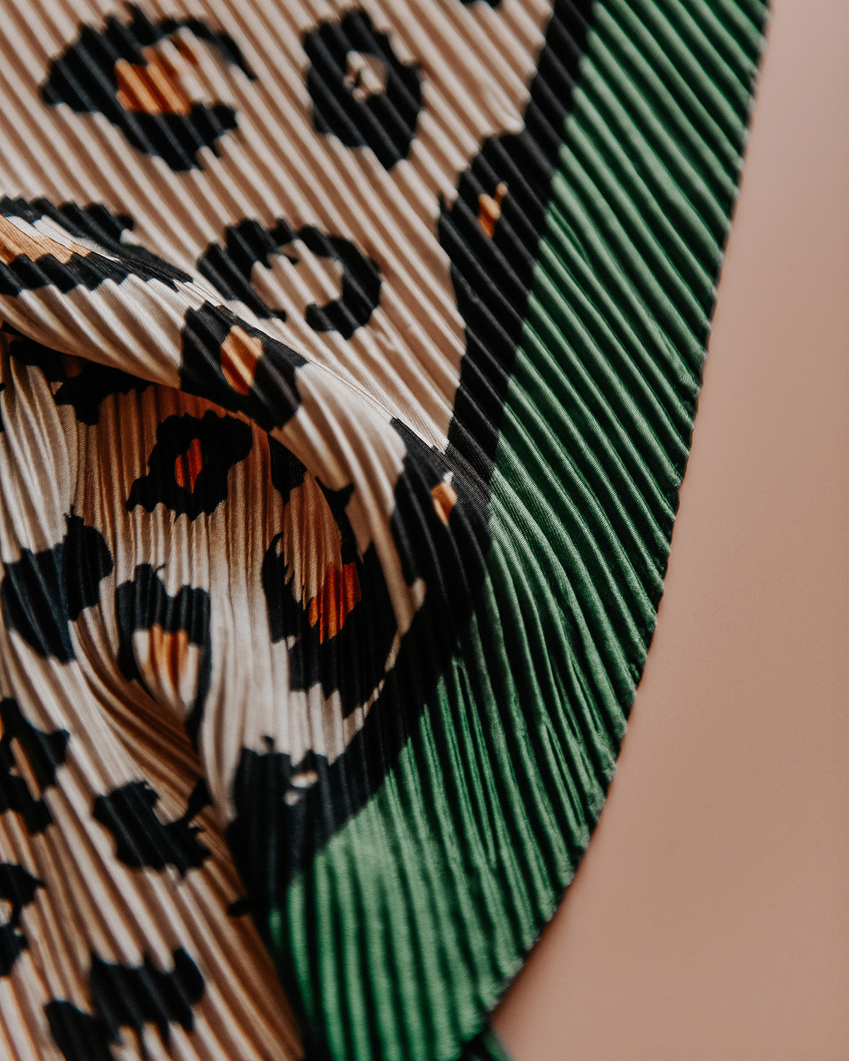 Image of Golda Plissé Scarf