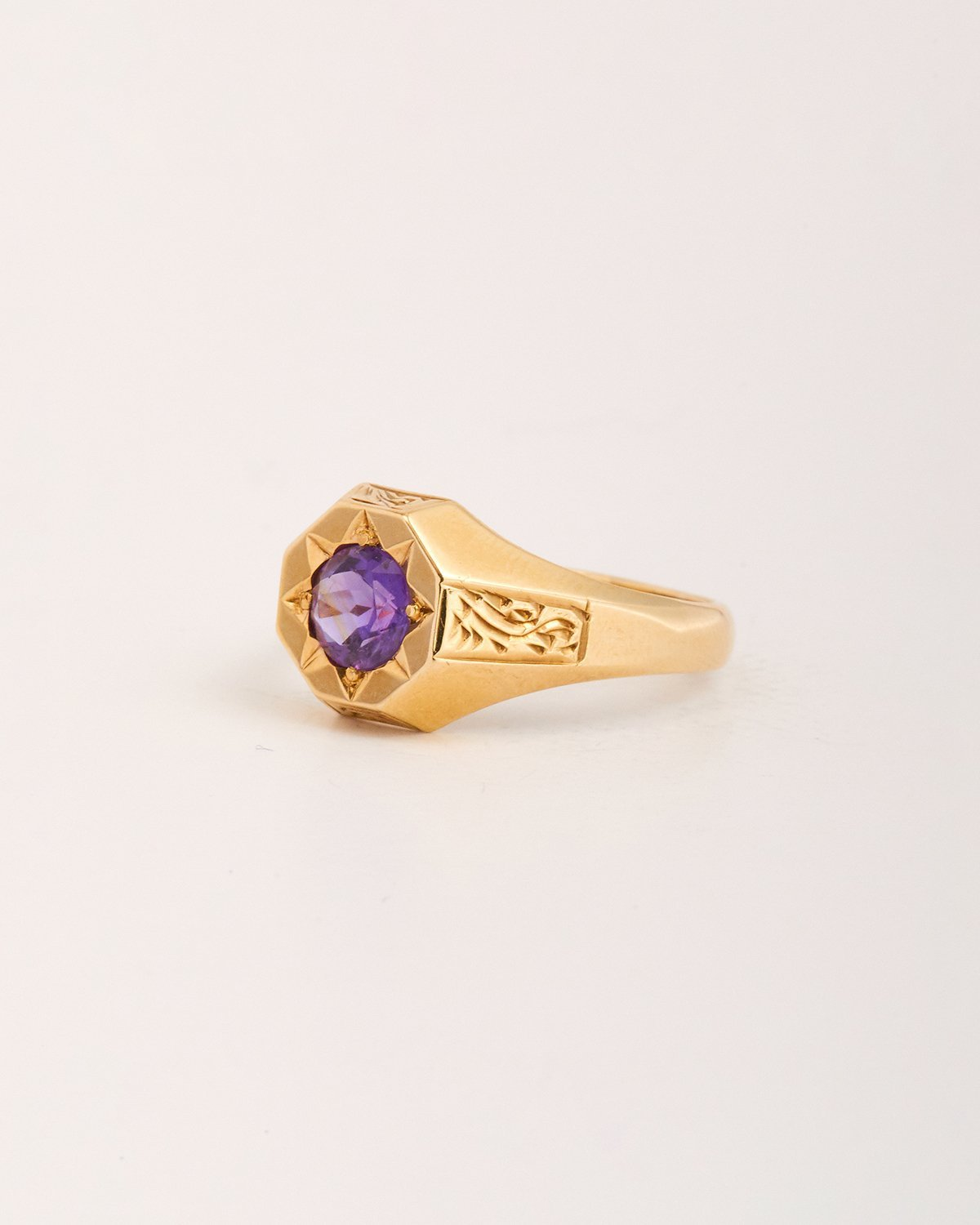 Image of Jean Exclusive Vintage 9ct Gold Amethyst Signet Ring