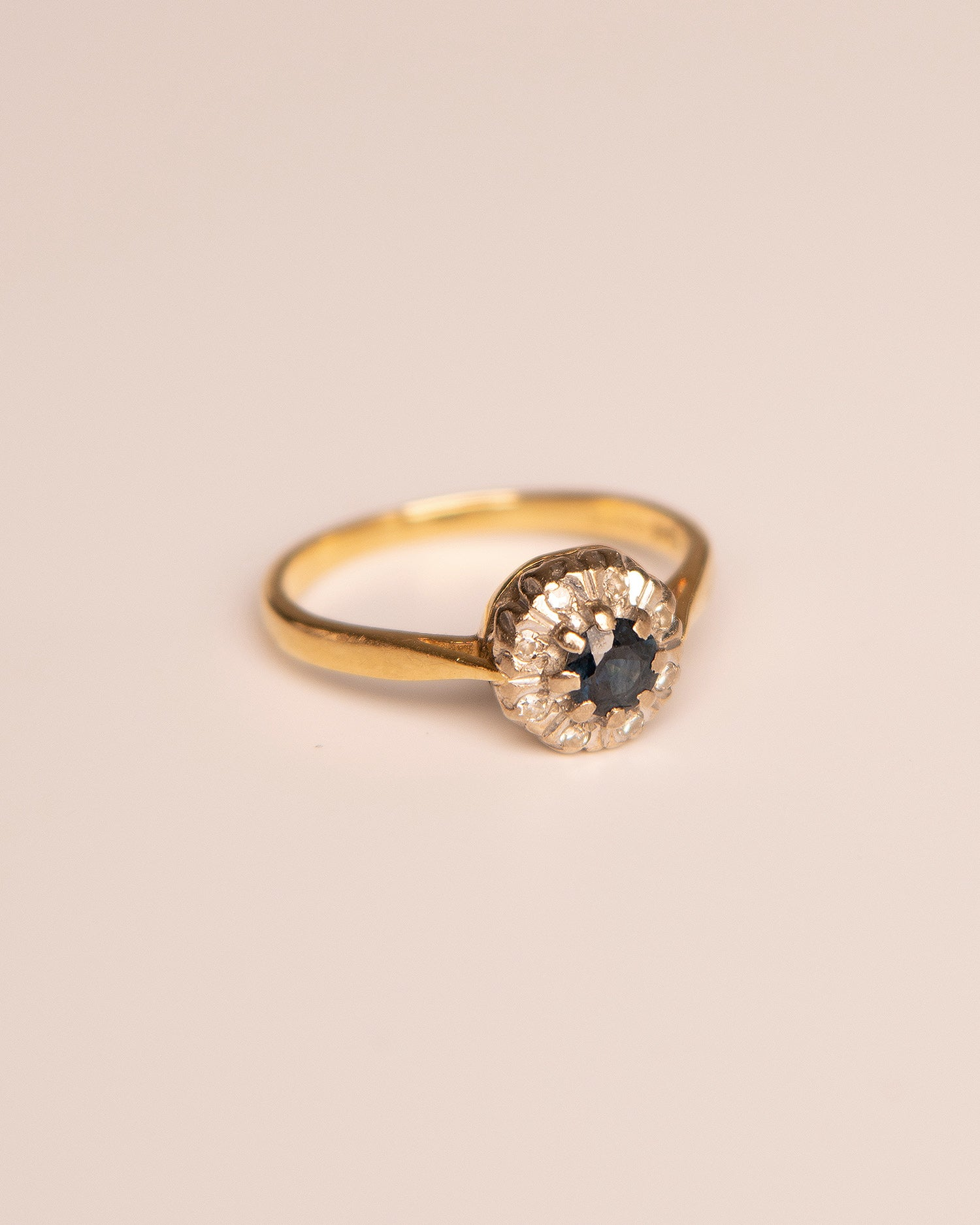 Image of Margaery 18ct Gold Sapphire & Diamond Ring