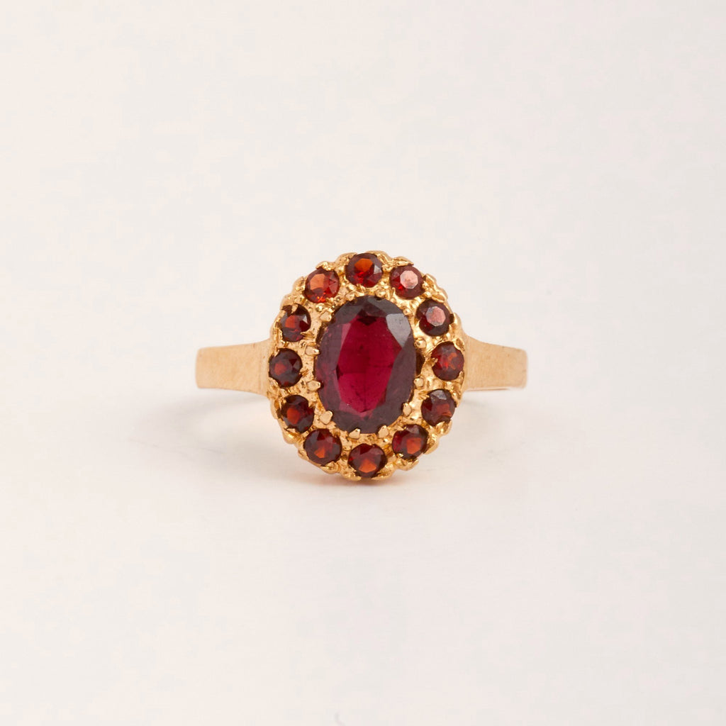 Pippa Exclusive Vintage 9ct Gold Garnet Ring