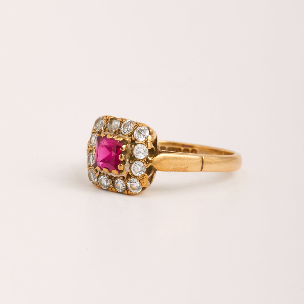 Yvette Exclusive Vintage 9ct Gold Pink Sapphire Ring