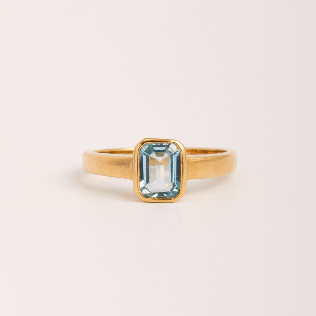 Ottilie Exclusive Vintage 9ct Gold Aquamarine Ring