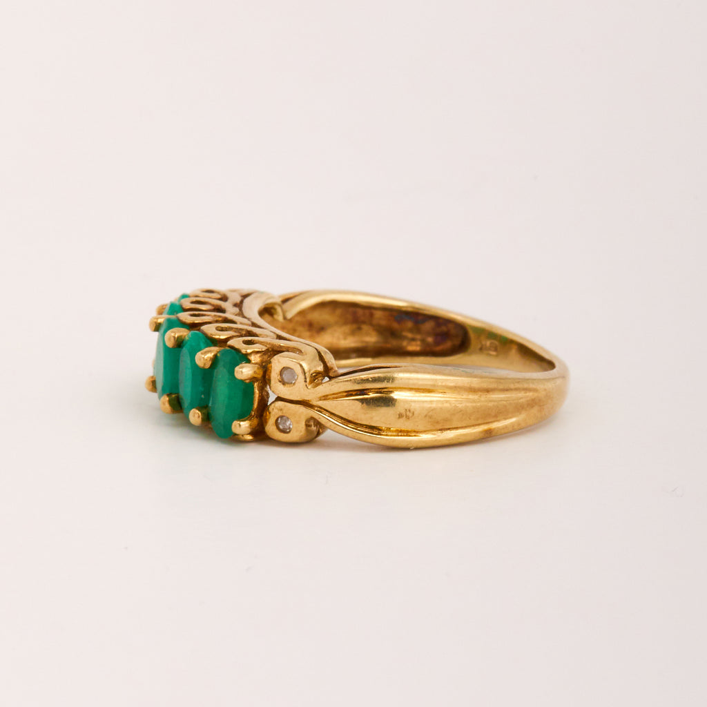 Holliday Exclusive Vintage 9ct Gold Emerald Ring