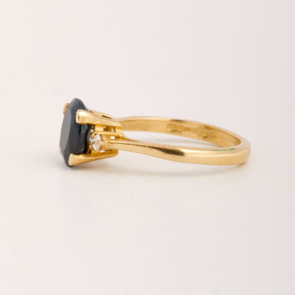 Grace Exclusive Vintage 9ct Gold Sapphire Ring