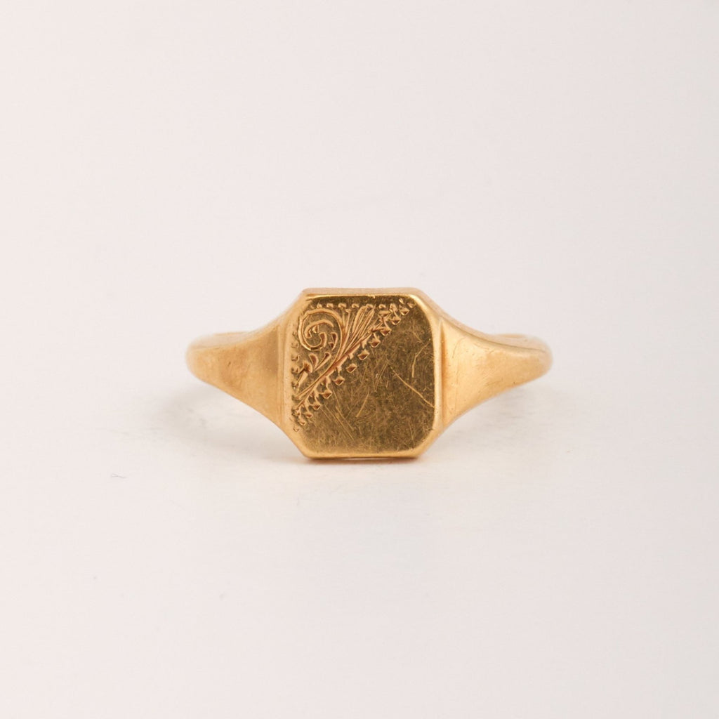 Quincy Exclusive Vintage 9ct Gold Signet Ring