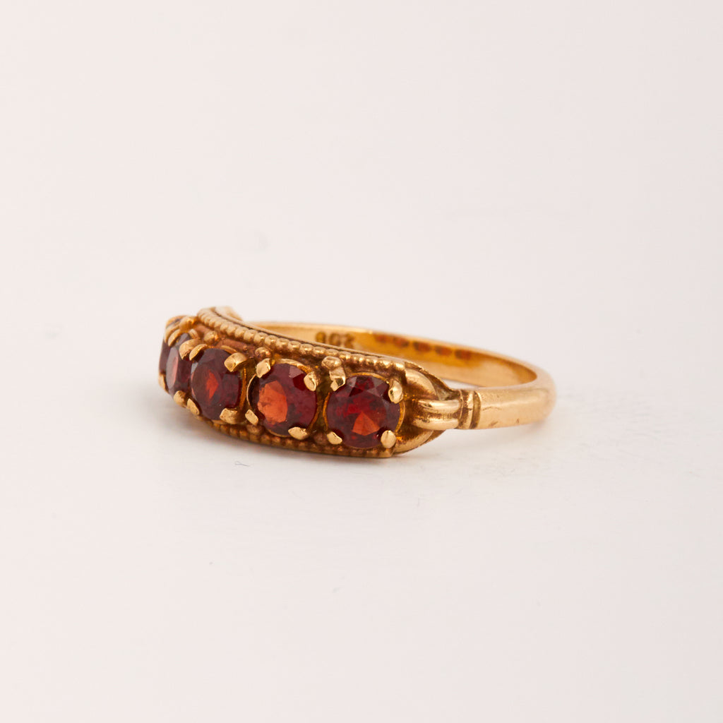 Hallie Exclusive Vintage 9ct Gold Garnet Ring