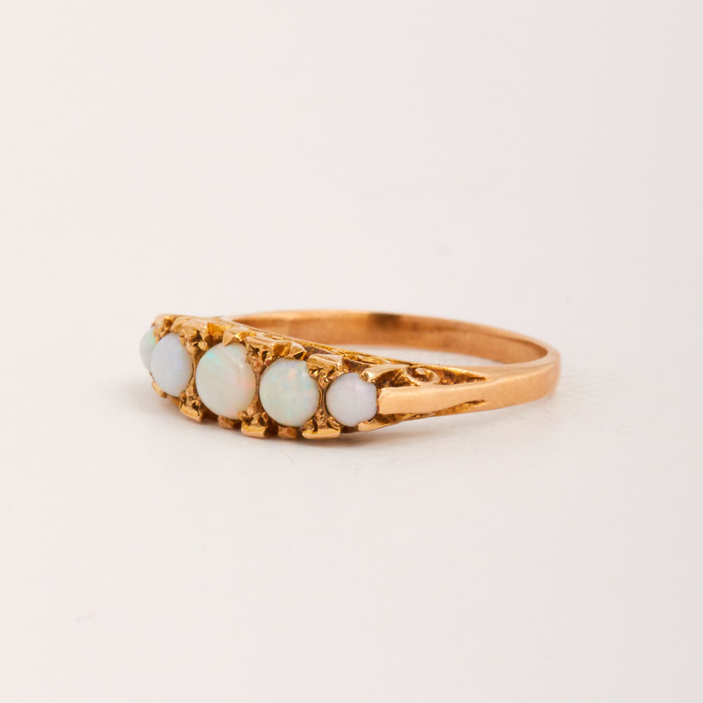 Dolly Exclusive Vintage 9ct Gold Opal Ring