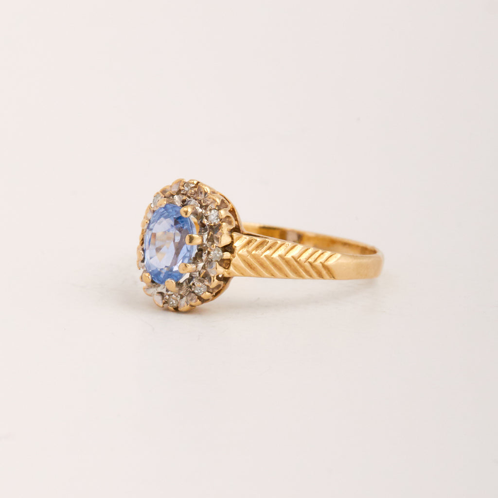 Tawny Exclusive Vintage 9ct Gold Aquamarine & Diamond Ring