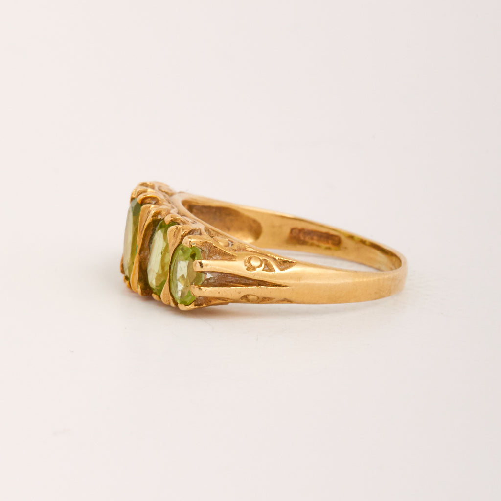 Hattie Exclusive Vintage 9ct Gold Peridot Ring