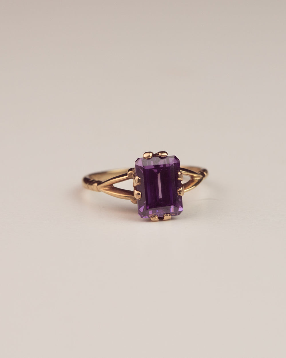 Dorothea Exclusive Vintage 9ct Gold Amethyst Ring