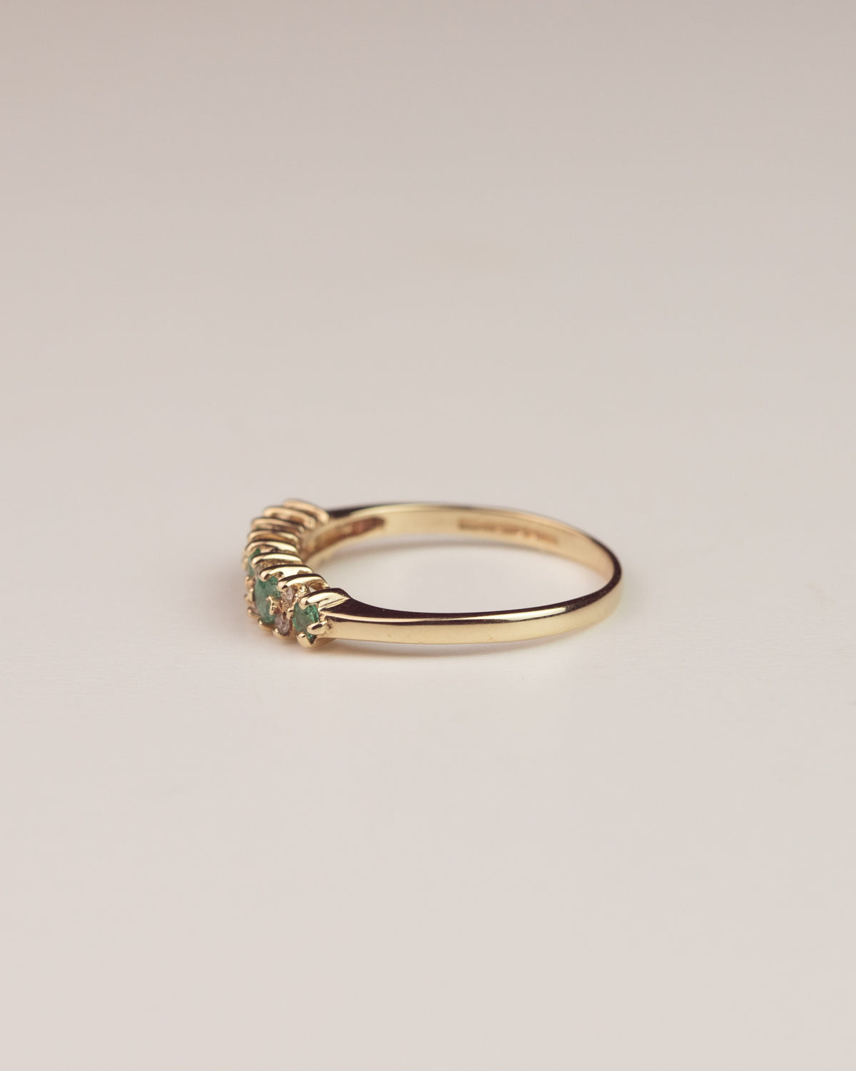 Willow Exclusive Vintage 9ct Gold Emerald and Diamond Ring