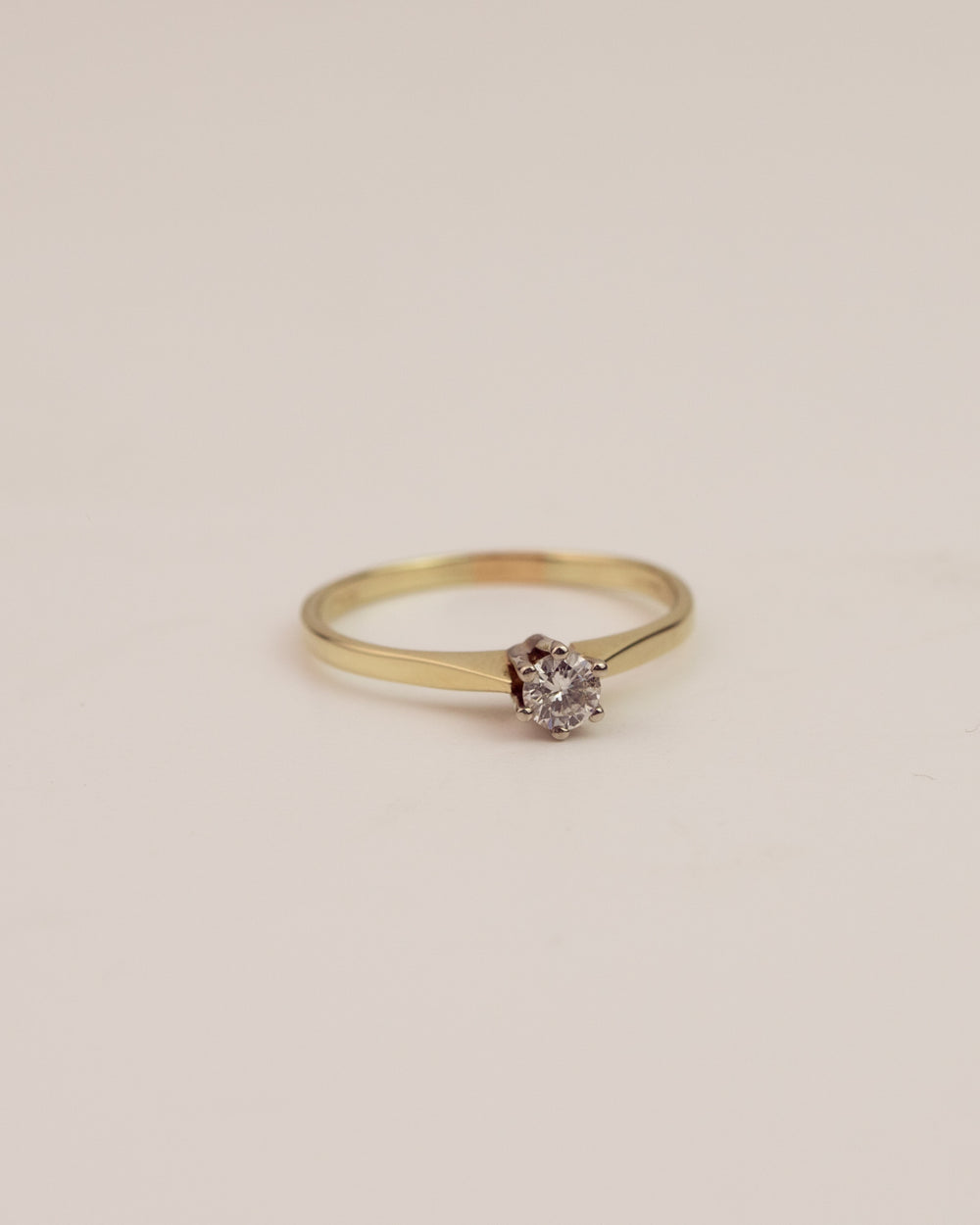 Constance Exclusive Vintage 9ct Gold Diamond Solitaire Ring