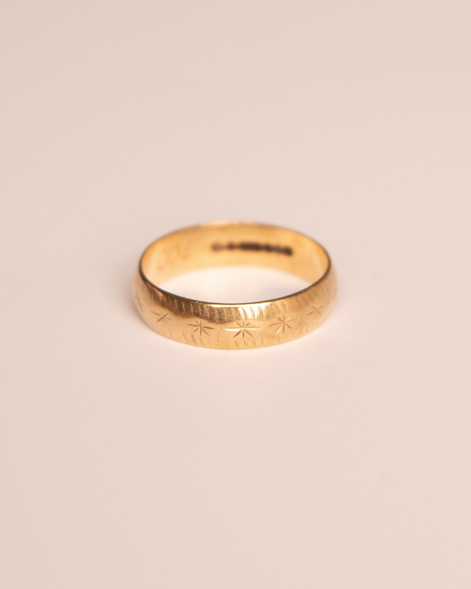 Image of Virginia 9ct Gold Vintage Band Ring