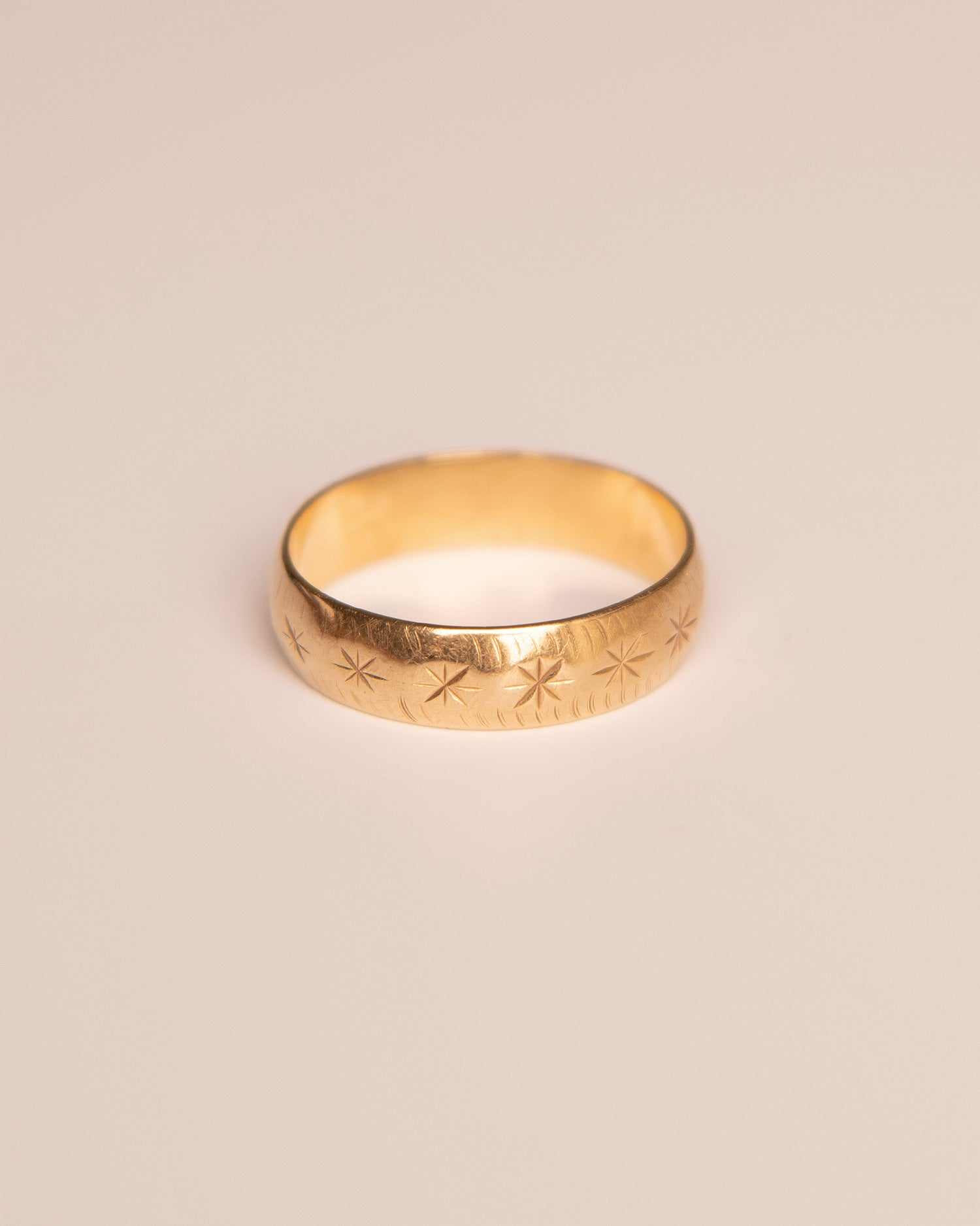 Virginia 9ct Gold Vintage Band Ring