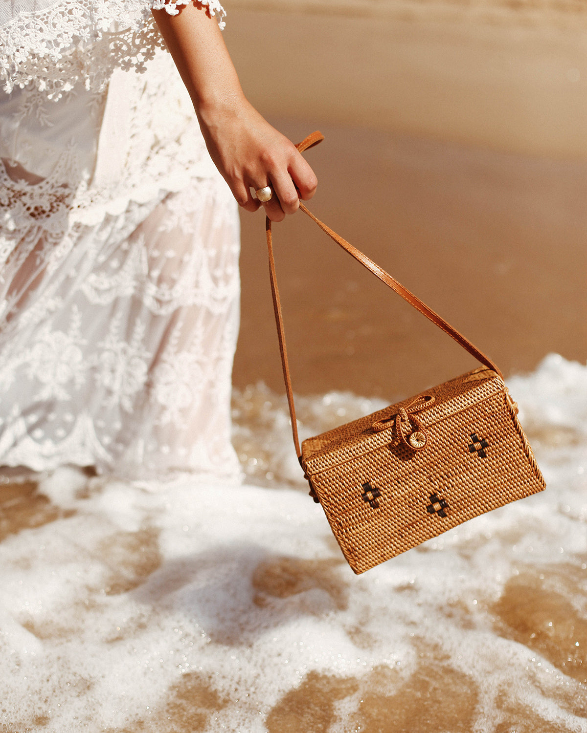 Terra Woven Straw Box Bag