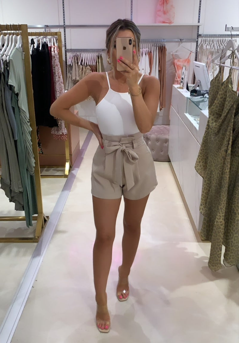 Suit Me Shorts Beige