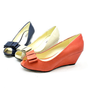 Bow Toe low wedge heel court shoes