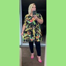 Load image into Gallery viewer, Short Sleeve Printed Swing top - Plus Sizes Too