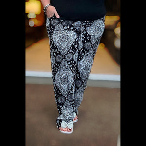 Morrocan Tile Print elastic waist trousers with pockets
