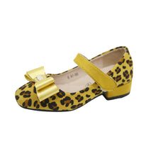 Load image into Gallery viewer, Girls / Childrens leopard Print low heel shoes with bow