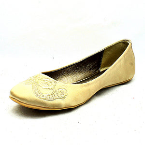 Satin embroidered toe flat shoes / pumps