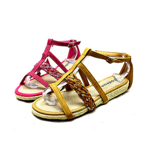 Flat strappy sandals with sequinned detail