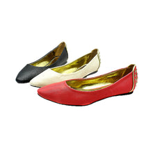 Load image into Gallery viewer, Flat shoes with pointed toe and feature heel detail