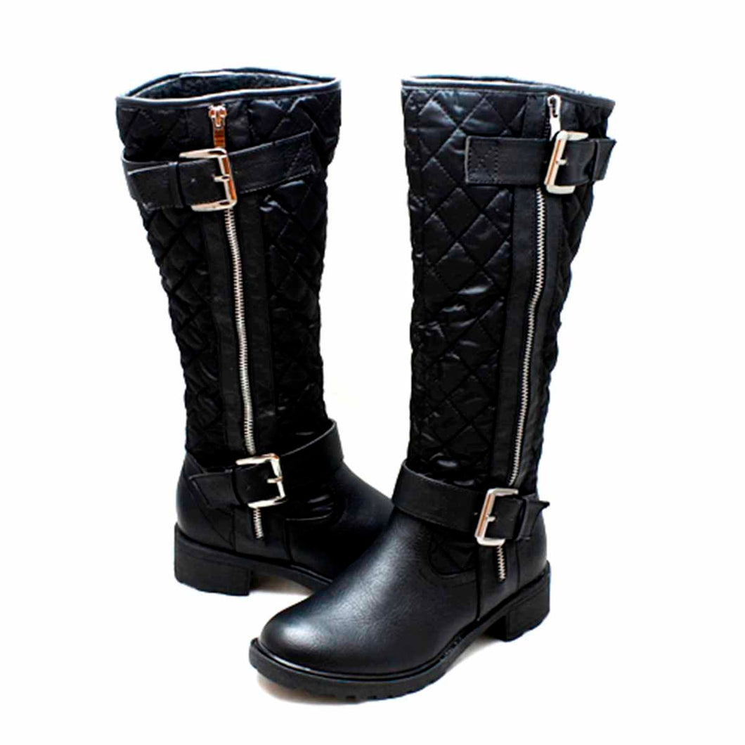 Quilted flat rain boots with silver buckles + warm lining