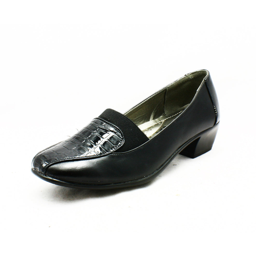Black low heel padded inner comfort shoes