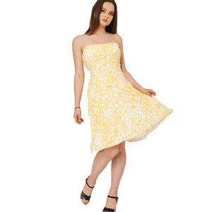 Strapless summer dress with floral pattern