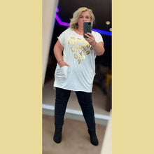 Load image into Gallery viewer, Long length top with side pockets + gold lips print