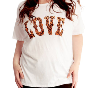 Short sleeve t-shirt with love leopard logo to front