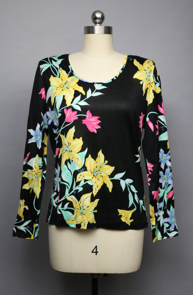 80s AVERARDO BESSI bold floral print black cotton knit pullover blouse TOP medium vintage 1990s 1980s