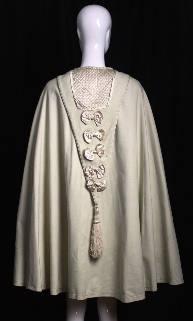 1860s Antique vintage 1800s Victorian CIVIL WAR era CAPE  cream wool draped tassel detail with quilting wrap outerwear