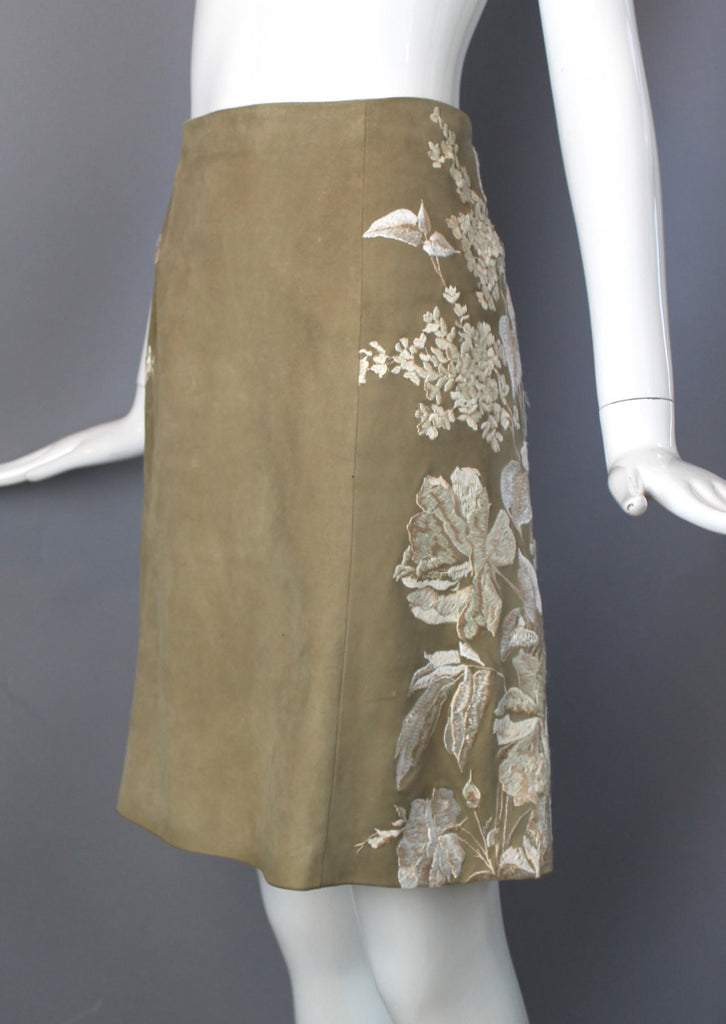Vintage Valentino suede midi skirt lamb tan fawn light brown bold unique white floral embroidered sides elegant ladylike fall med lg size 10