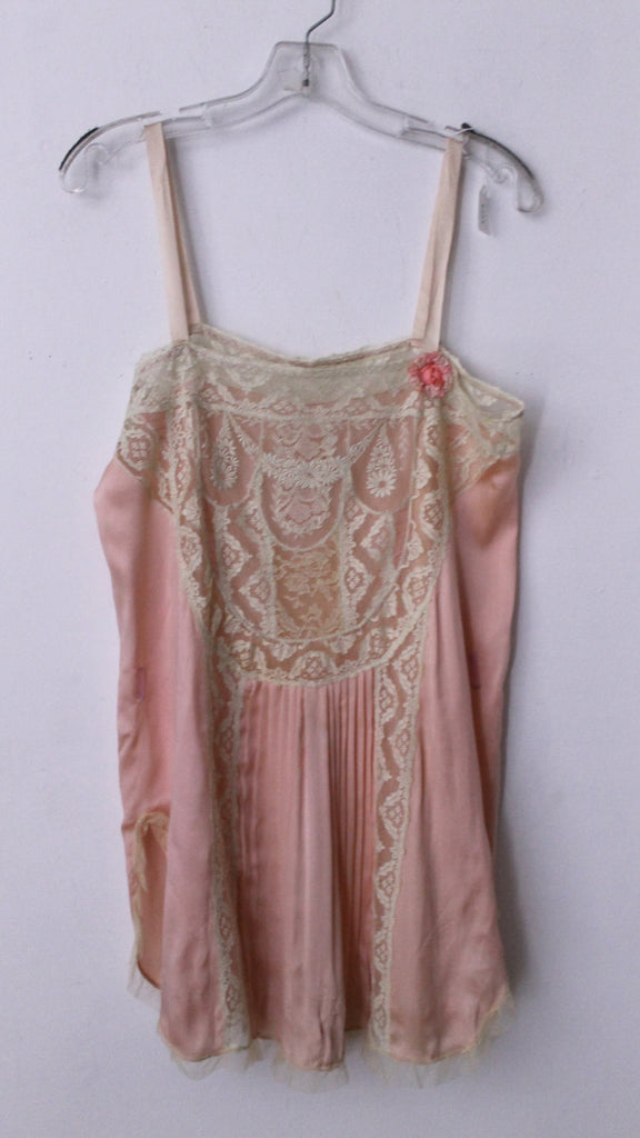 38edc3c467048 20s FLAPPER STEP IN romantic lace & silk baby doll slip w/ rosette pleating  gatsby