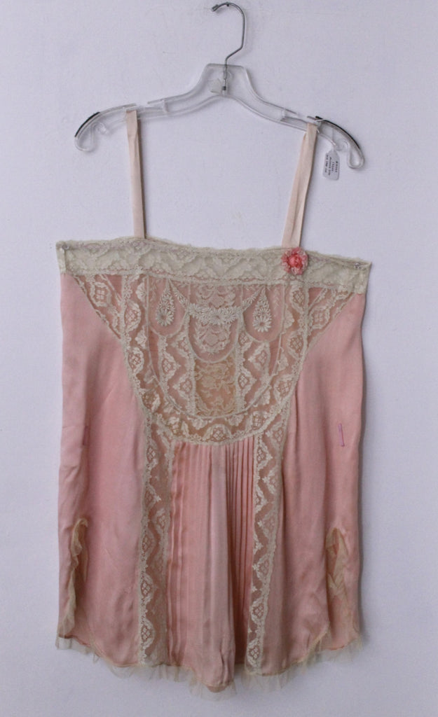 20s FLAPPER STEP IN romantic lace & silk baby doll slip w/ rosette pleating gatsby era art deco vintage 1920s