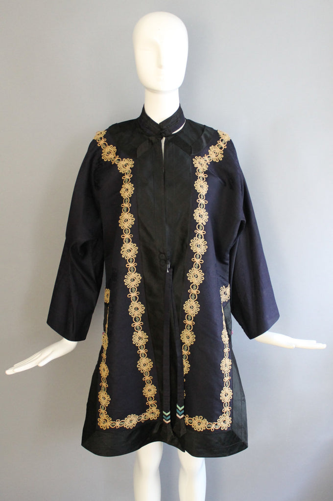1920s CHINESE silk formal printed and embroidered ceremonial ROBE kimono jacket navy silk 20s 30s vintage