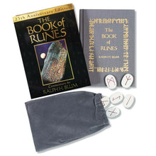 Load image into Gallery viewer, Book Of Runes Set [Ralph H. Blum]