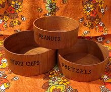 Load image into Gallery viewer, Vintage Wood Snack Bowl Set