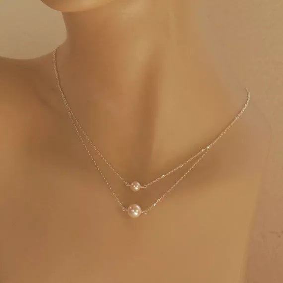 Simple Pearl Layers Necklace
