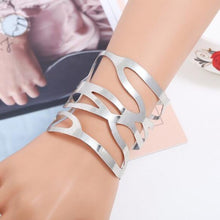 Load image into Gallery viewer, Cut Out Fashion Bracelet