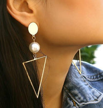 Load image into Gallery viewer, Triangle Pearl Fashion Earrings