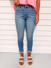 Load image into Gallery viewer, Aubrey High Rise Light Wash Denim